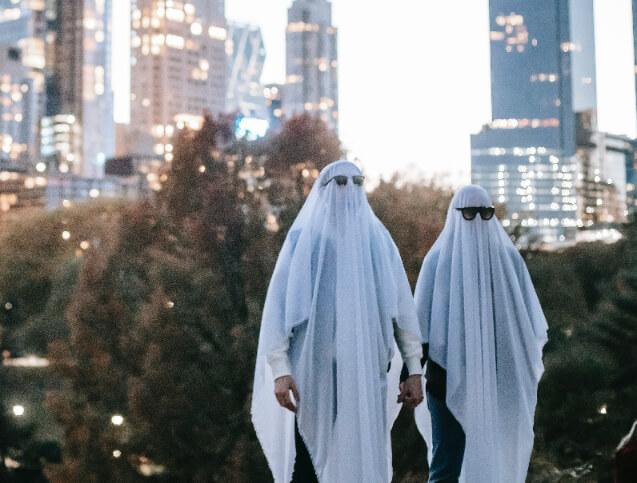 Weird ghost couple holding hands
