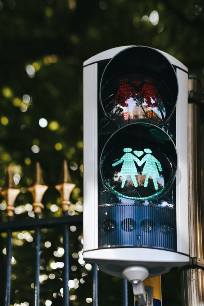 traffic light with symbol of two women holding hands