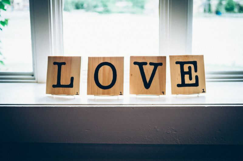 """scrabble letters saying """"love"""""""